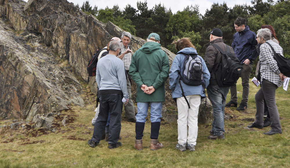 John Martin leads the Geology walk discussion