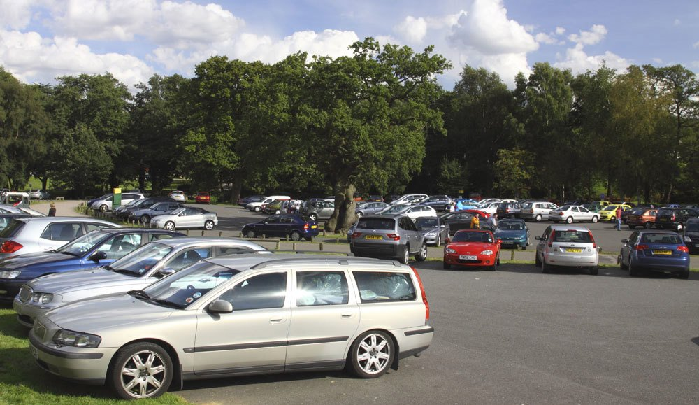 Parking at Newtown Linford